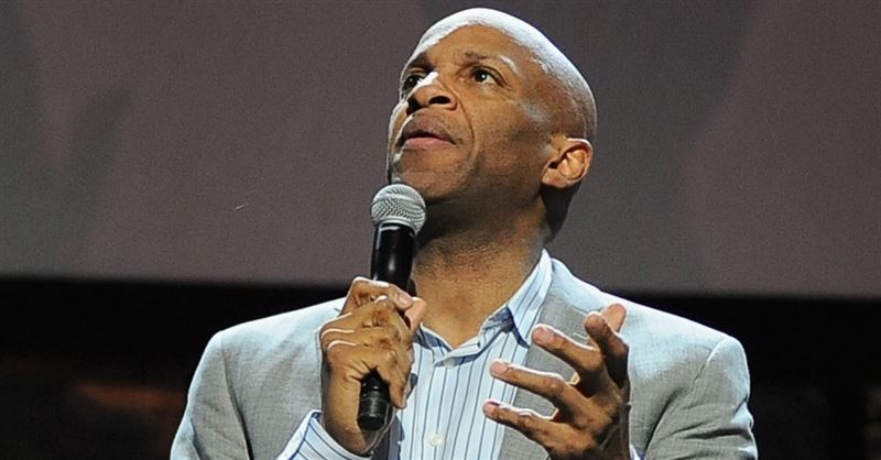 Gospel Singer Donnie McClurkin Sends Thanks to God after Surviving a Car Accident that Could Have Ended His Life