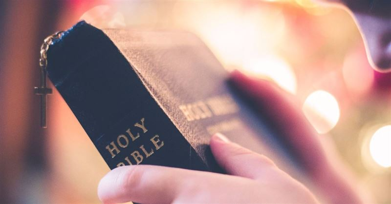 Principal Bans Students from Giving Bibles to Friends during Lunch