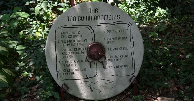 China Bans One of the Ten Commandments as Part of 'National Policy'