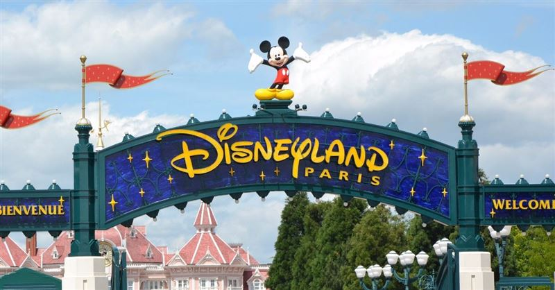 Disney to Hold First Official LGBT Pride Event