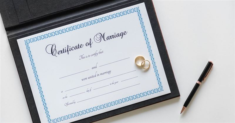 How to Get a Marriage License at Baggage Claim