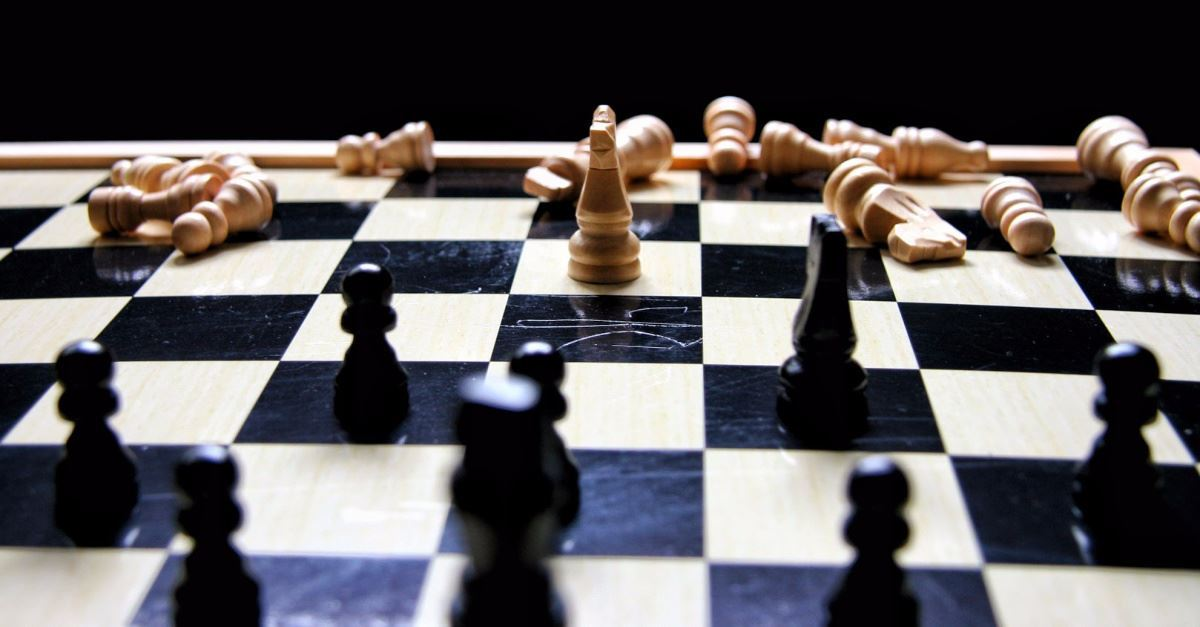 8-Year-Old Homeless Boy Wins Chess Tournament, Pulls Family out of Poverty