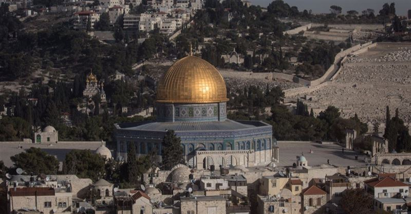 Fire Burns at Two Christian Landmarks: Temple Mount in Flames at the Same Time as Notre Dame Fire