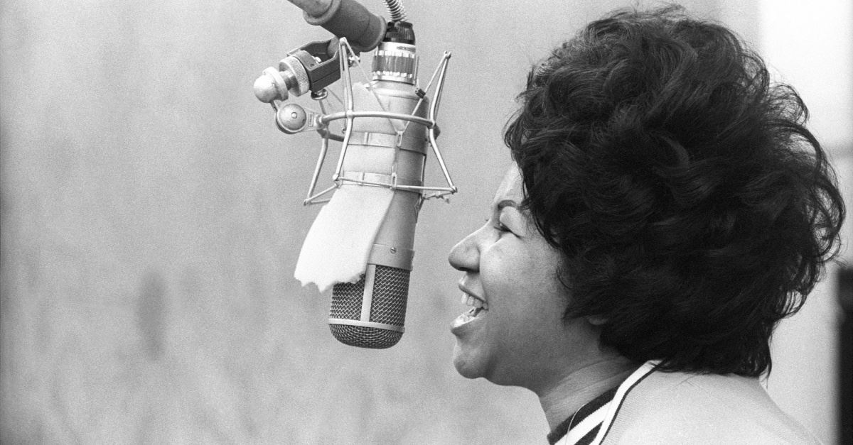 Aretha Franklin Sings Sweet Sounds, Recalls Roots in <em>Amazing Grace</em> Documentary