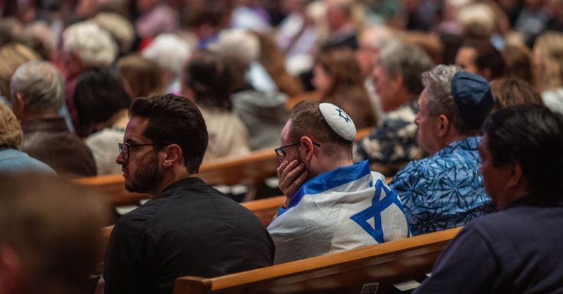 1 Dead, 3 Injured in Shooting at Chabad of Poway Synagogue in San Diego