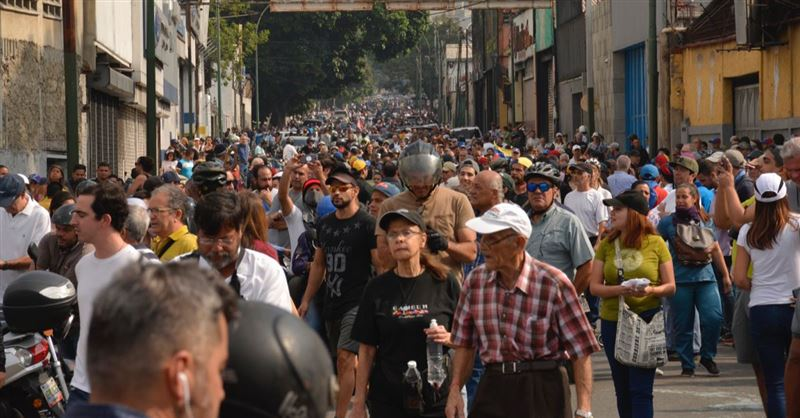 Venezuelan Opposition Leader Calls Citizens to the Streets, Says Coup Is Underway