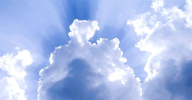 Amateur Photographer Captures Image of Jesus Shining through the Clouds
