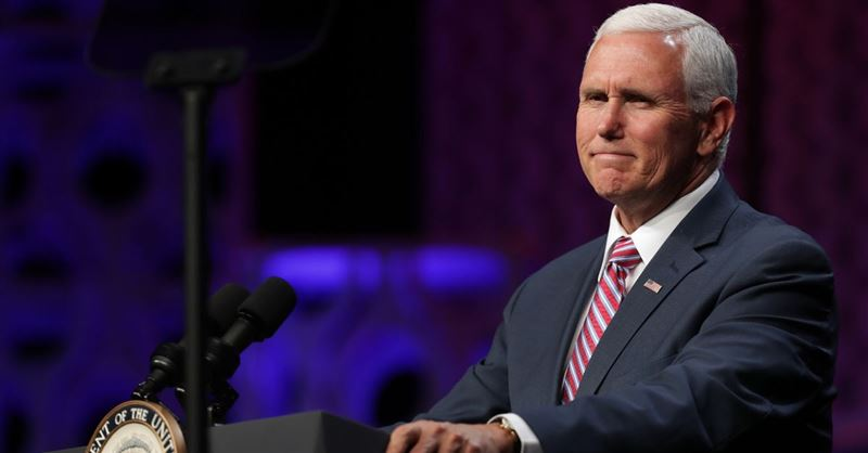 Taylor University Students Walk Out on Mike Pence's Commencement Speech