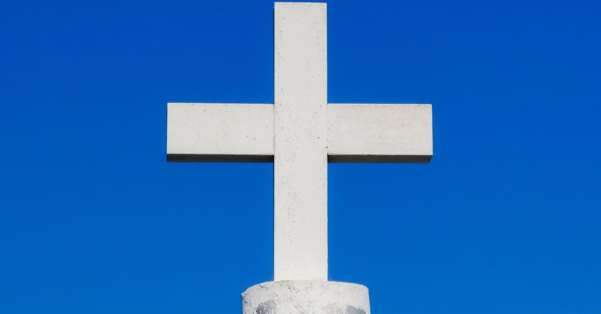 China Beats and Arrests Pastor for Not Removing Church's Cross
