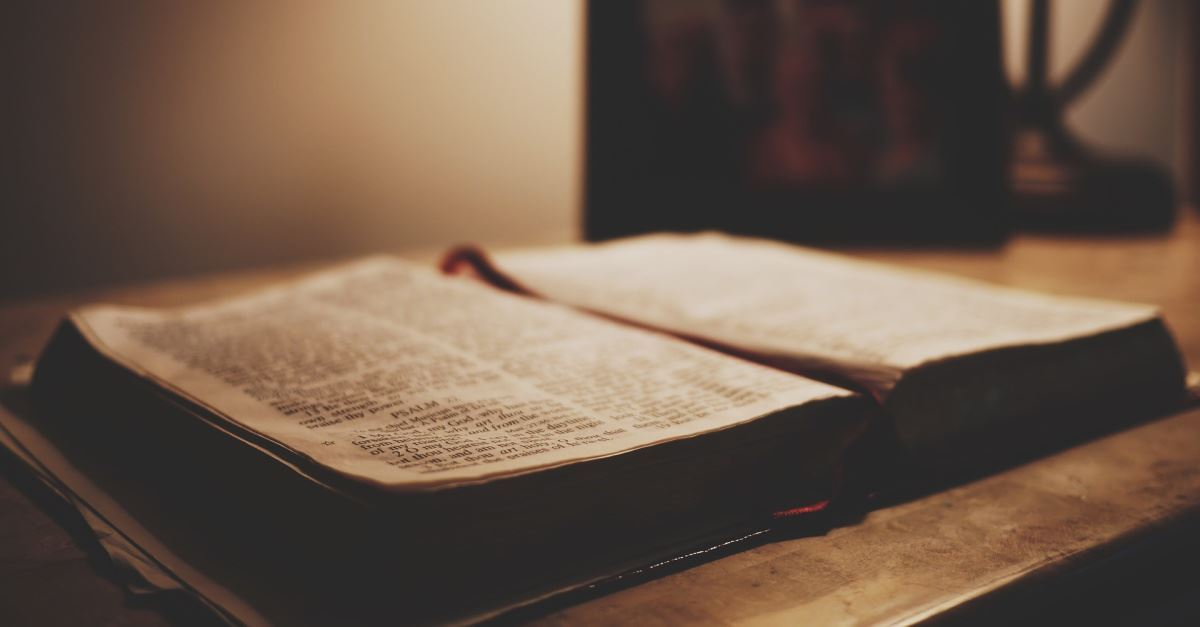 VA Hospitals to Allow Bible Displays, Distribution under New Policy
