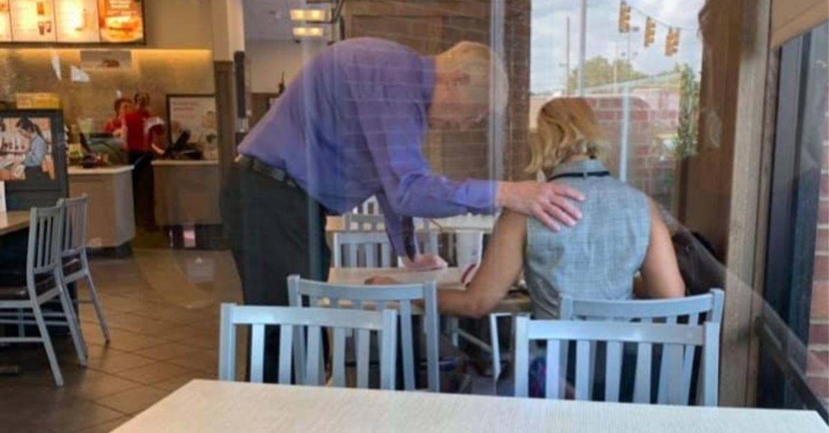 Chick-fil-A Worker Prays over Customer in Viral Pic – the 'Spirit Led Him'