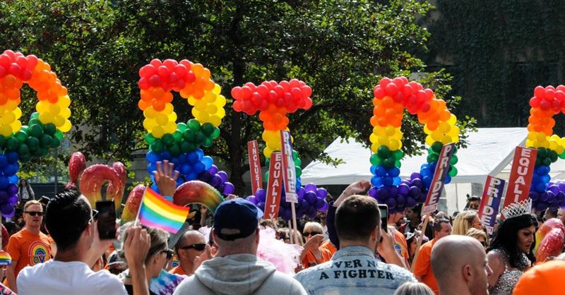 Joshua Harris Attends LGBT Pride Event Just Weeks after Denouncing Christianity