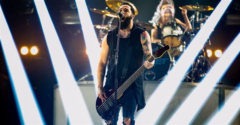 Skillet's John Cooper Willing to Defend Christ 'If it Costs Me My Career'