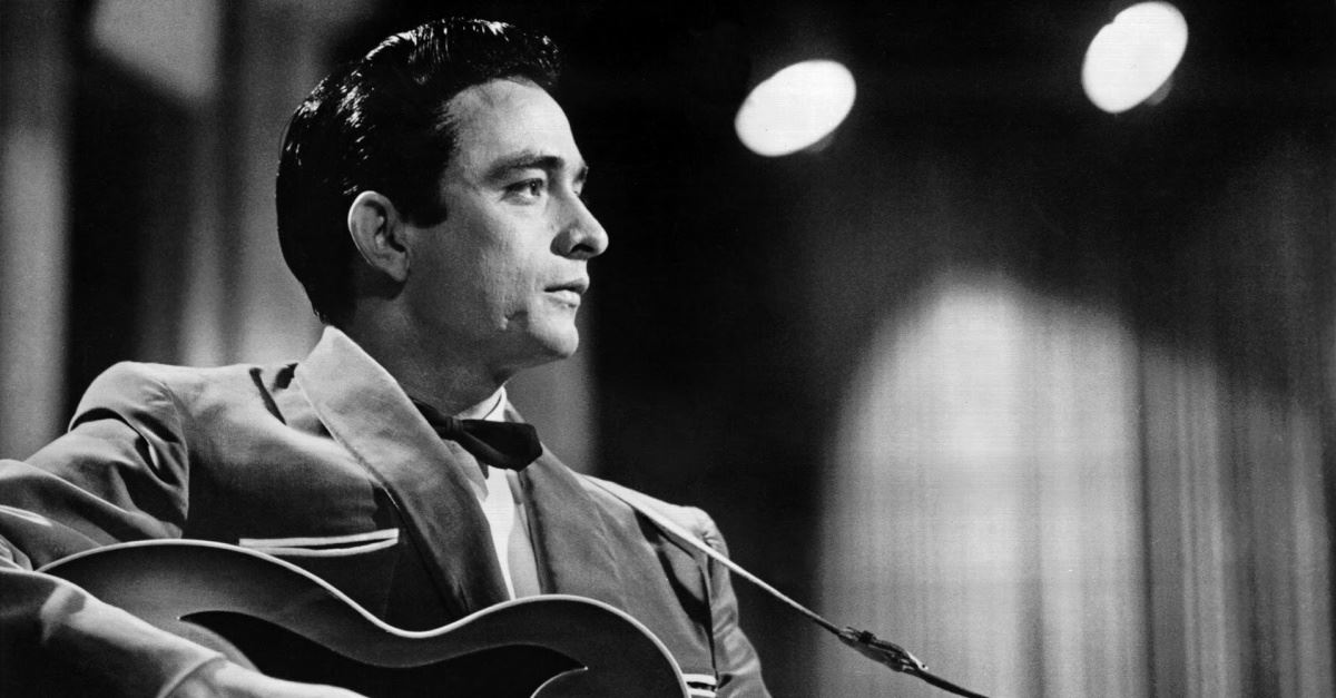 Johnny Cash, Johnny Cash playing guitar