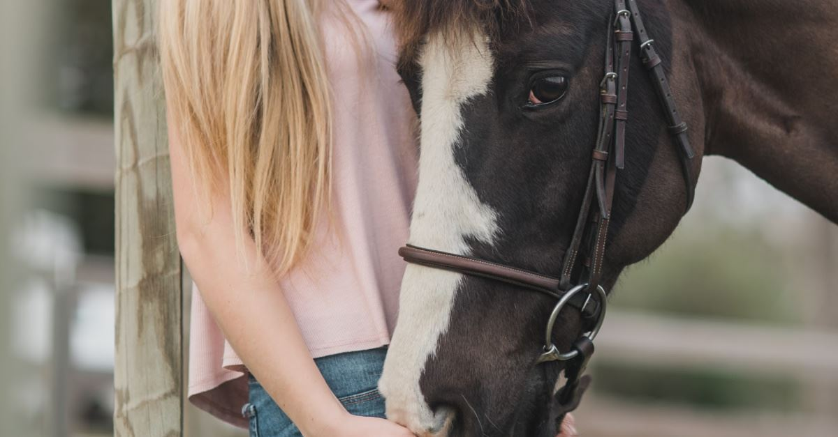 Former MLB Player, Wife Launch Ministry with Horses to Help People Cope with Trauma