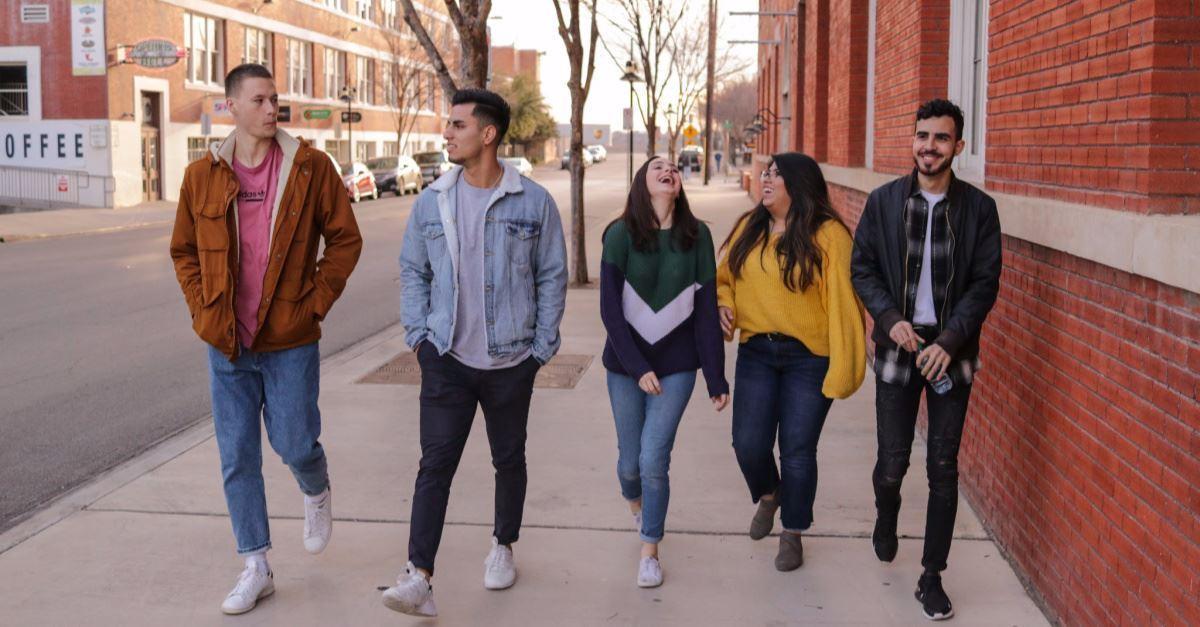 17 Percent of Evangelical Teens Aren't in Public School, Survey Shows