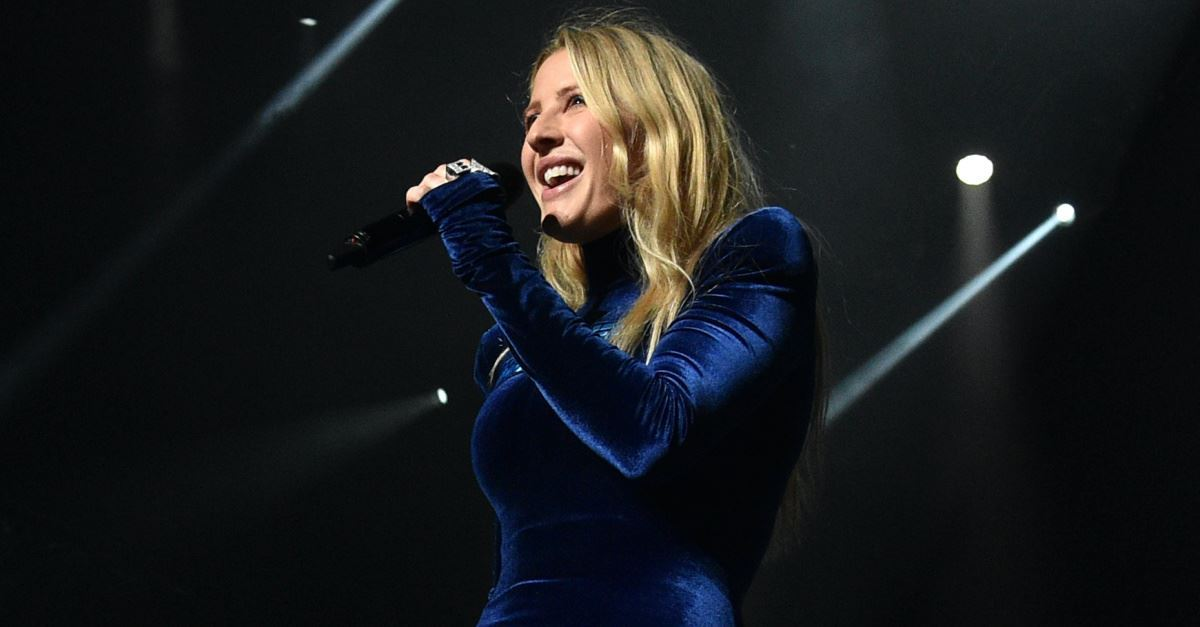 Cowboys Halftime Show Thanksgiving 2020.Ellie Goulding Threatens To Boycott Salvation Army Benefit