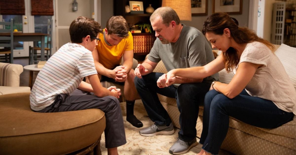 <em>Overcomer</em> Opens at No. 2 in Brazil – 100 Come to Jesus in a Single Theater