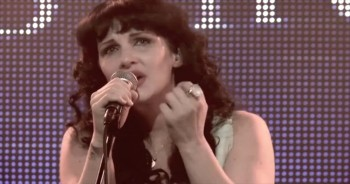 Plumb - NEED YOU NOW (How Many Times) [Official Live Performance]