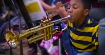 Boy with No Arms Beautifully Plays Trumpet
