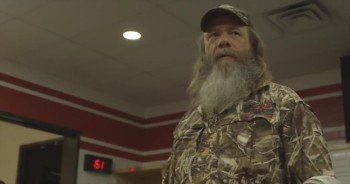Duck Dynasty's 'Mountain Man' Gives the Slowest Pep Talk of All Time - LOL