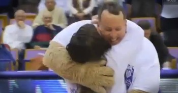 College Mascot Gives an Unsuspecting Girl the Best Surprise!