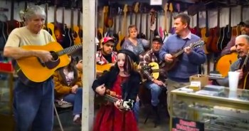 This Sweet Girl Surprised Flea Market Shoppers