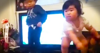 This Adorable Baby Was Born To Move - What A Dance!