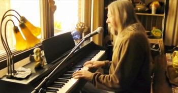 Country Version of 'In The Garden' Will Warm Your Heart