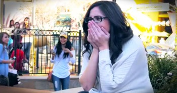 She Was Part Of Her Own Flash Mob Proposal And Had NO Idea - This Is Awesome!