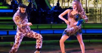 Sadie Robertson DEFENDS Her Faith And Family Before She NAILS This Duck Dynasty Dance!