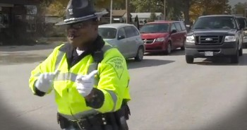 This Dancing Traffic Cop Just Made Morning Commutes My New Happy Place! LOL!