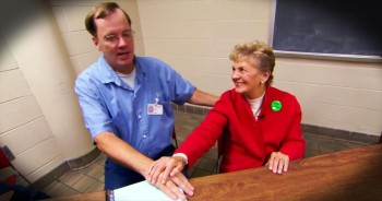 81-Year-Old Grandma Helps Inmates In The Most Beautiful Way