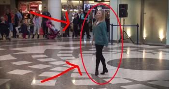 40 Irish Dancers STUN An Entire Mall With Incredible Flash Mob