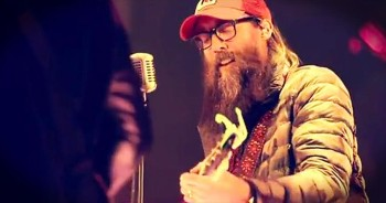 'How He Loves Us' – Blessed Song From Crowder Live At Passion