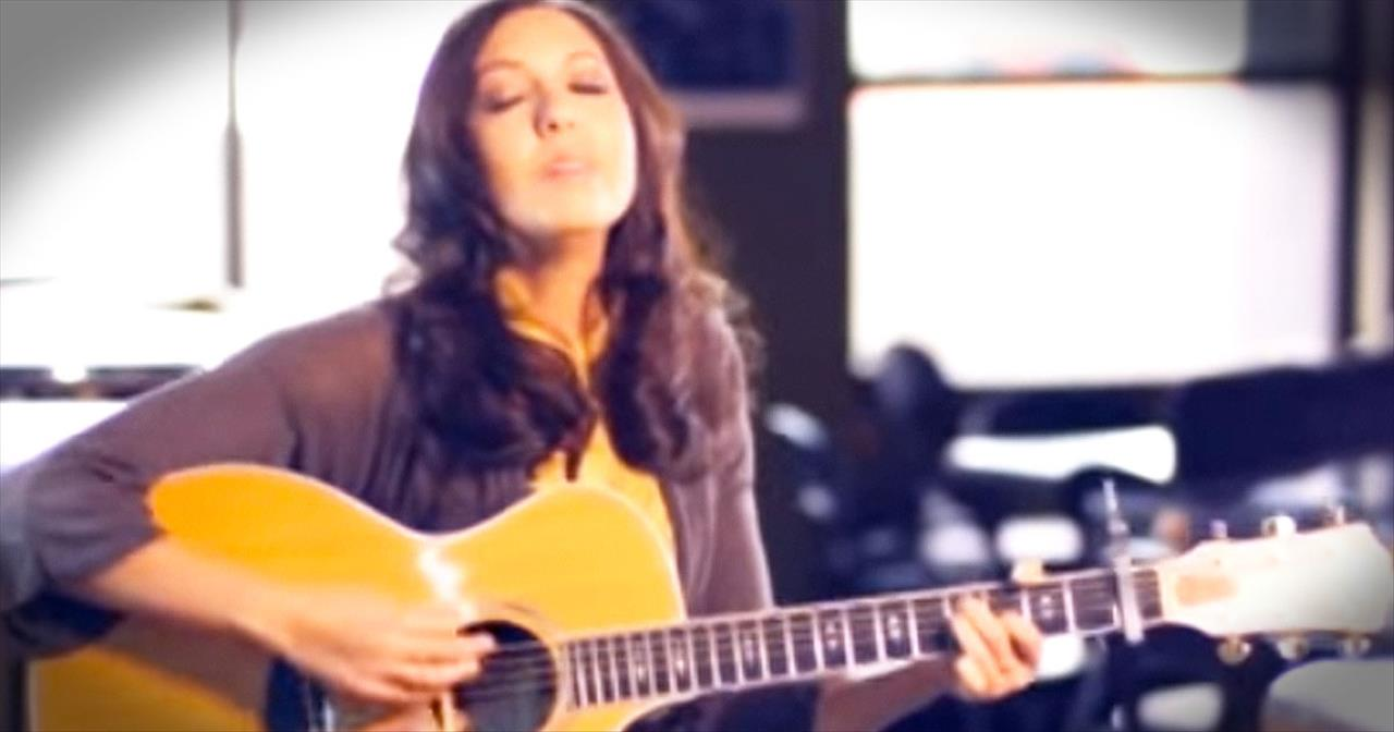 Francesca Battistelli Sings To Your Soul With 'Free To Be Me'