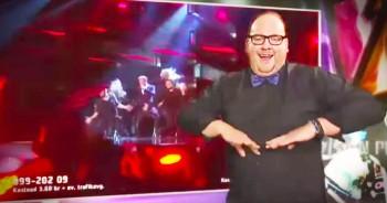 Sign Language Interpreter REALLY Loves His Job. LOL!