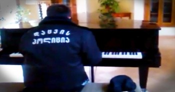 Security Guard Starts Playing Abandoned Piano. CHILLS!