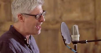 Matt Maher Give Stunning Acoustic Performance Of 'Because He Lives (Amen)'