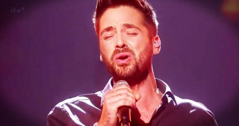 Ben Haenow Sings So His Mom Won't Have To Struggle Anymore--Hallelujah!