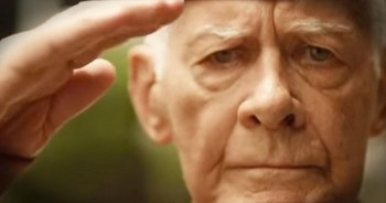 Grocery Store Honors Our Troops With Emotional Tribute