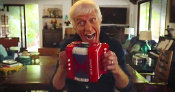 Dick Van Dyke Dances Like A 20-Year-Old. Look At Those Moves!