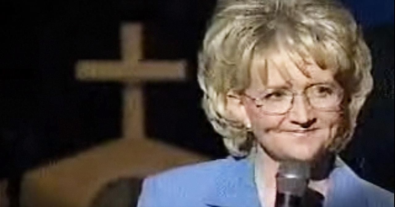 Christian Comedian Chonda Pierce Shares Her Painful Past