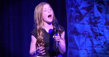 Young Girl Sings CHILLLING Mash-Up Of 'Amazing Grace' And 'America The Beautiful'