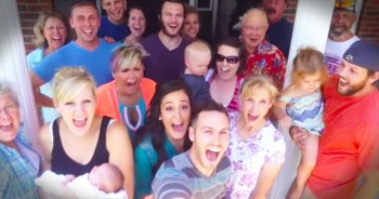 This Selfie Just Turned Into The CUTEST Pregnancy Announcement