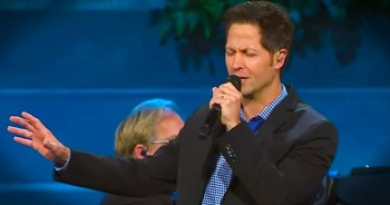 Talented Man Sings 'Because He Lives' In Front Of Entire Church