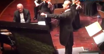 Conductor Turns Audience Into A Musical Instrument