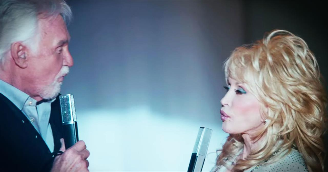 Dolly Parton and Kenny Rogers Sing 'You Can't Make Old Friends.' AMEN!