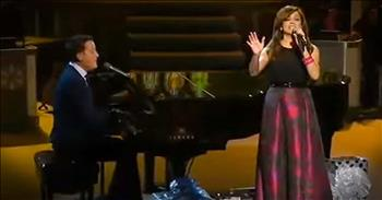 Martina McBride And Michael W. Smith Sing 'What Child Is This'