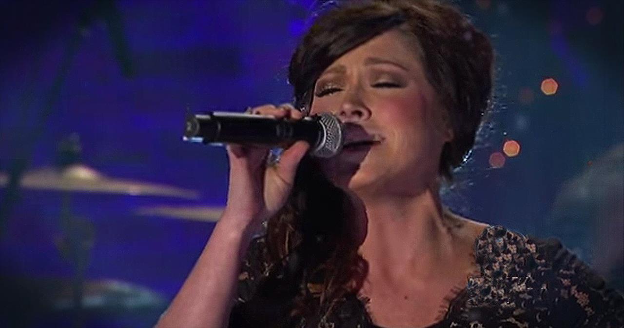 O Holy Night\' – Live Performance From Kari Jobe - Christian Music Videos